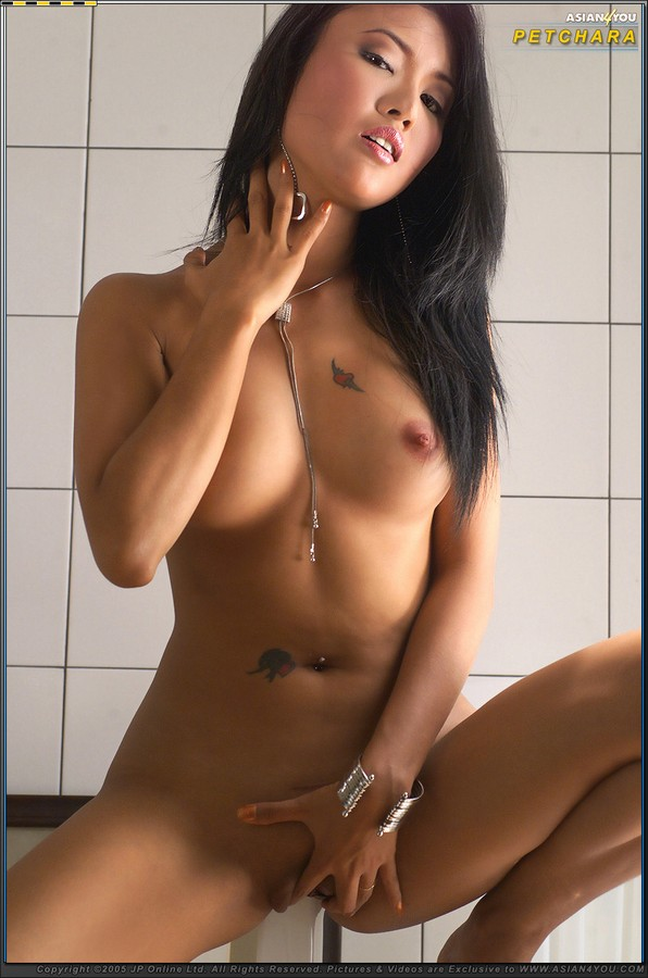 Asians Girls Pics: http://v.angel-porns.com/pics/asians/asian4you/3302-aj/index.html