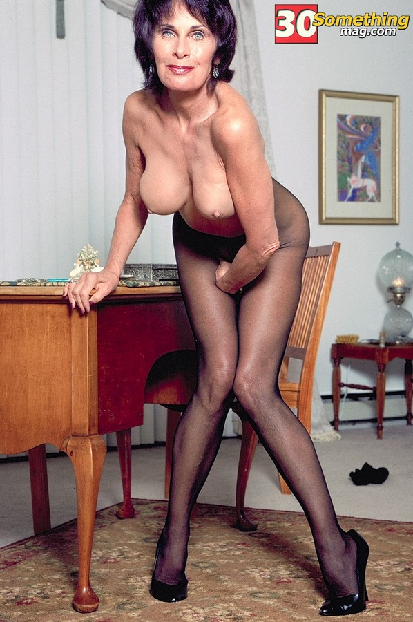 Milfs are the best 002