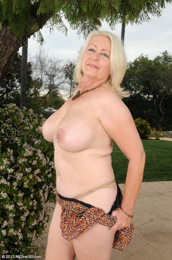 Tall amateur blonde milf