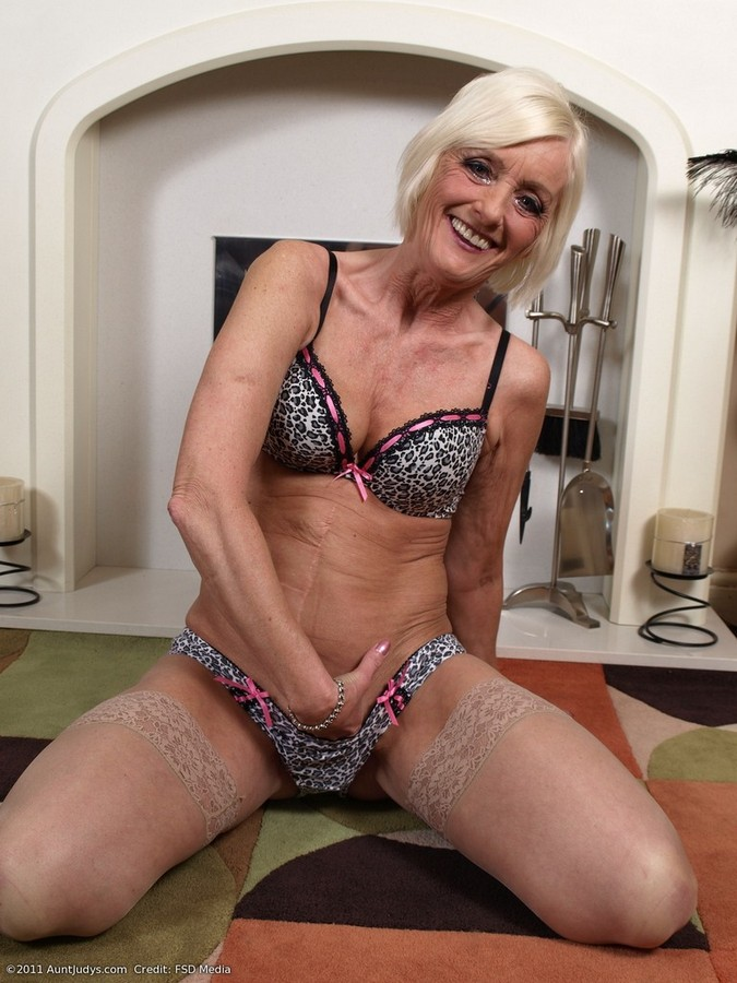 Mature sado video thumbs, britany spears pussy picture