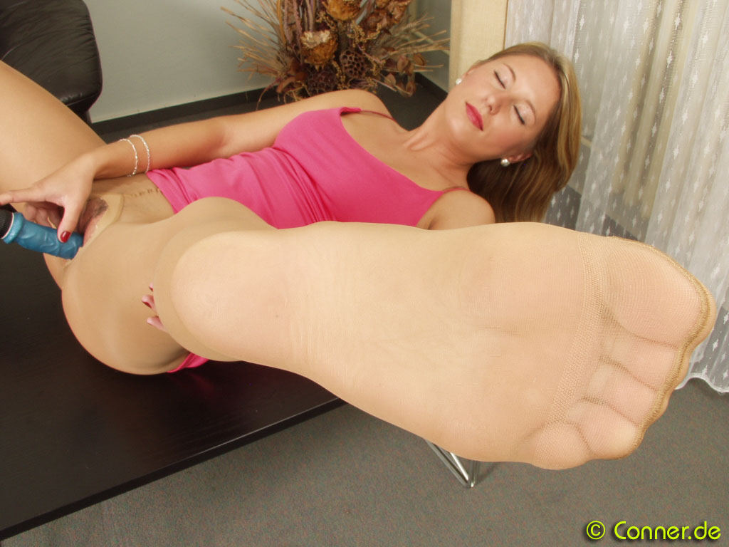 Conner Pantyhose Home Of And Foot Fetish Url Galleries 1
