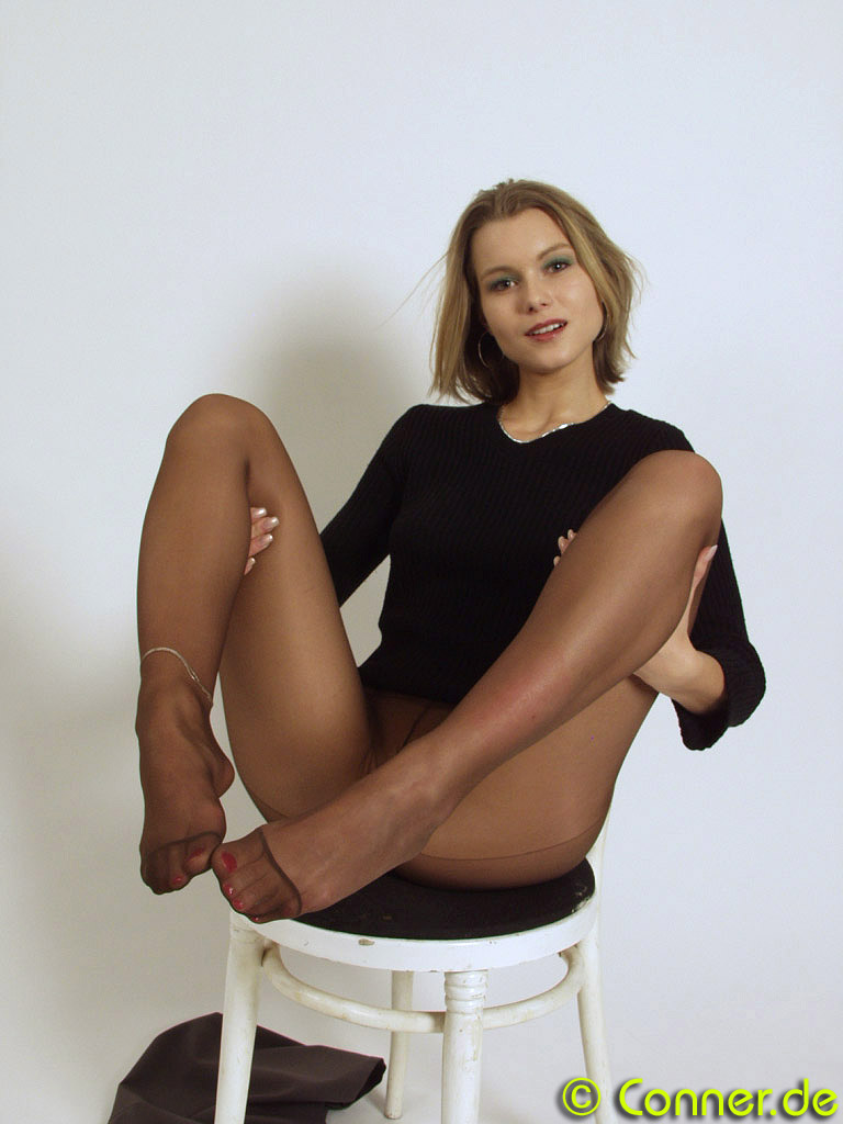 Conner Pantyhose - Home of Pantyhose and foot fetish ...